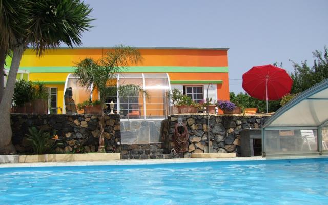 Mango Pool