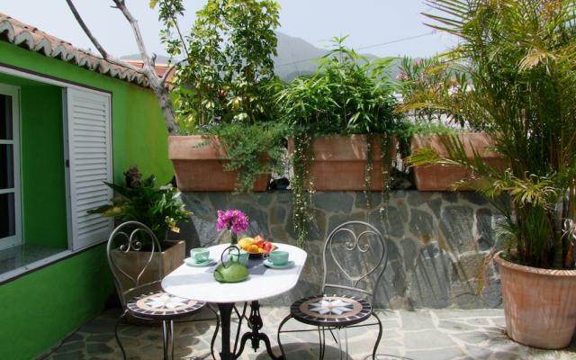 Papaya Veranda