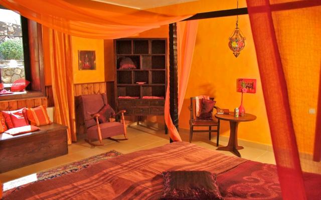 Safran Schlafzimmer 1