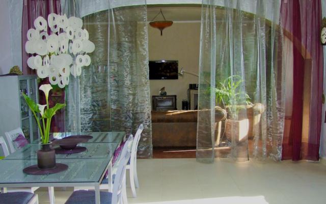 Safran Wohnzimmer